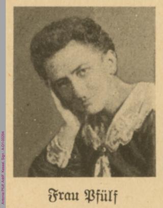 Porträt von Antonie Pfülf