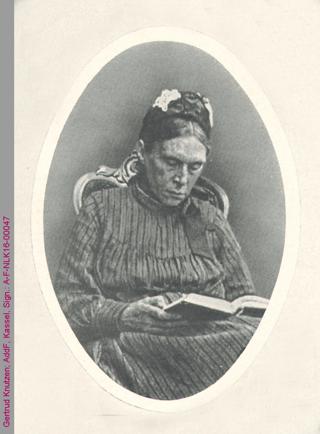 Porträt von Gertrud Knutzen