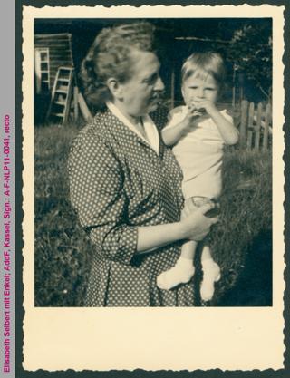 Elisabeth Selbert mit Enkel Axel Selbert
