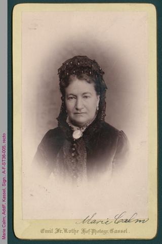 Porträt von Marie Calm