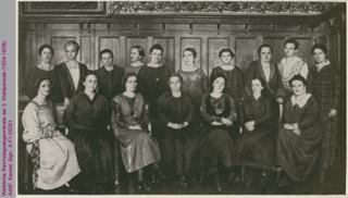 Weibliche Reichstagsabgeordnete der 3. Wahlperiode (1924-1928), u. a. Gertrud Bäumer, Marie Juchacz