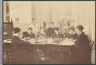 Büroangestellte, Sammlung von Obstkernen, Erster Weltkrieg