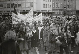 § 218 Demonstration